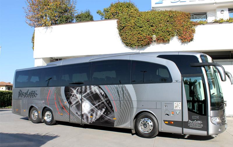 noleggio bus Mercedes Travego