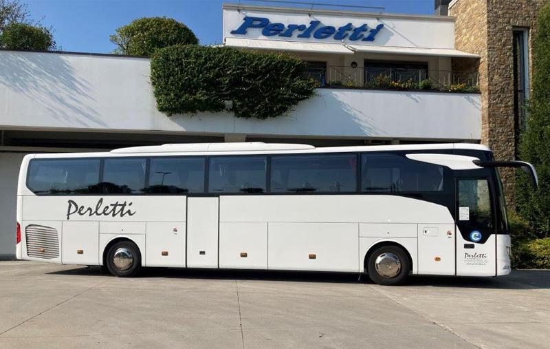 noleggio bus Mercedes Tourismo Bianco