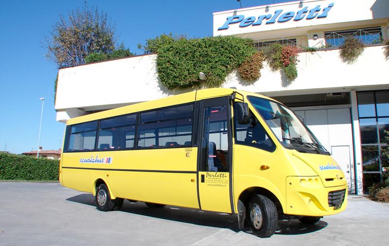 noleggio scuola bus Scuola Bus Cacciamali