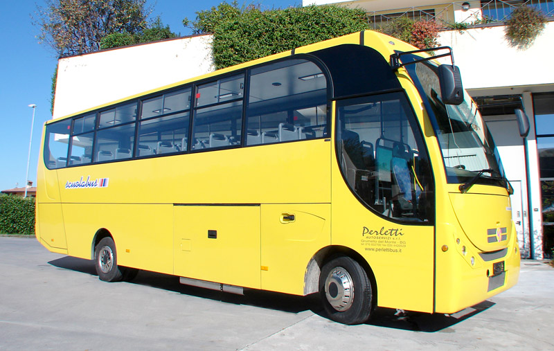 noleggio scuola bus Scuola Bus Iveco 100
